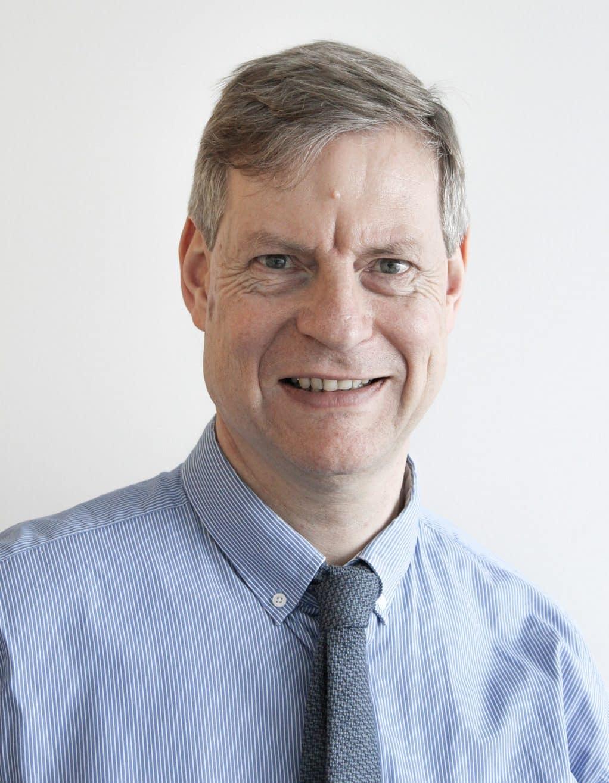 Dr. Thomas VOIT